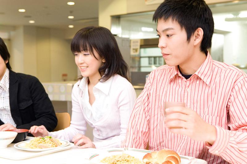 専門学校への進学率を都道府県別に見ていくと何かが見えてくる!?