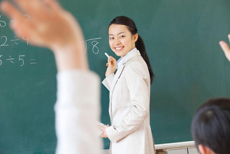 【2021年版】通信制大学で教員免許は取れる?学校一覧やメリット・デメリットを紹介!