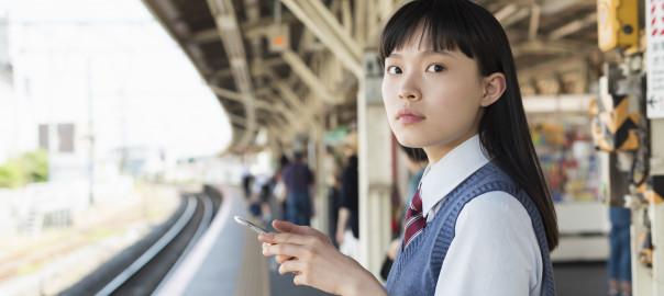 女子高生 通学 電車