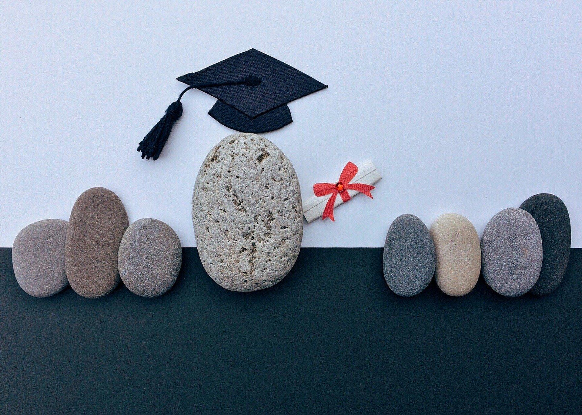 通信制大学も学歴になる!通信制大学の特徴から履歴書の書き方まで解説